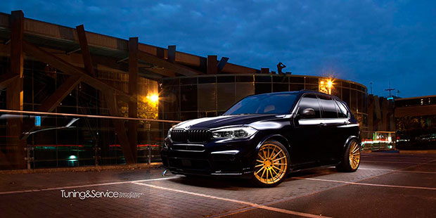 BMW X5 M50D комплект обвеса Hamann и кованные диски ADV.1