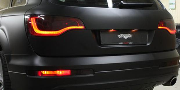 Поклейка AUDI Q7 в черный мат за 2 дня!