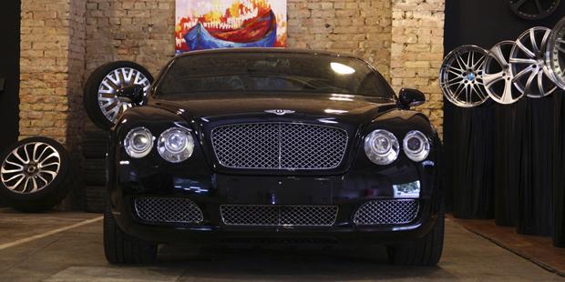 VIP покрытие Bentley  NANOкерамика CAR PRO 9H в 4 слоя. Супер защита, супер блеск.